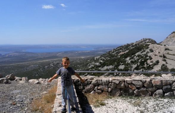 Chorwacja Velebit. Widok za tunelem Sveti Rok.