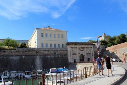port Fort i brama lądowa (Gradska vrata/ Kopnena vrata)